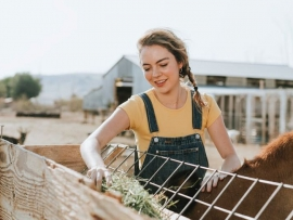 livekindly_meat_dairy_farmers_vegan